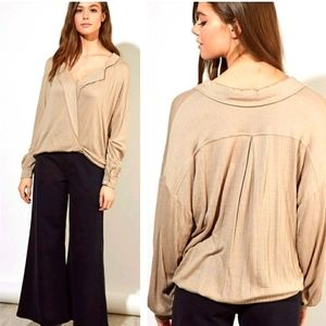 Mustard Seed surplice front blouse taupe S